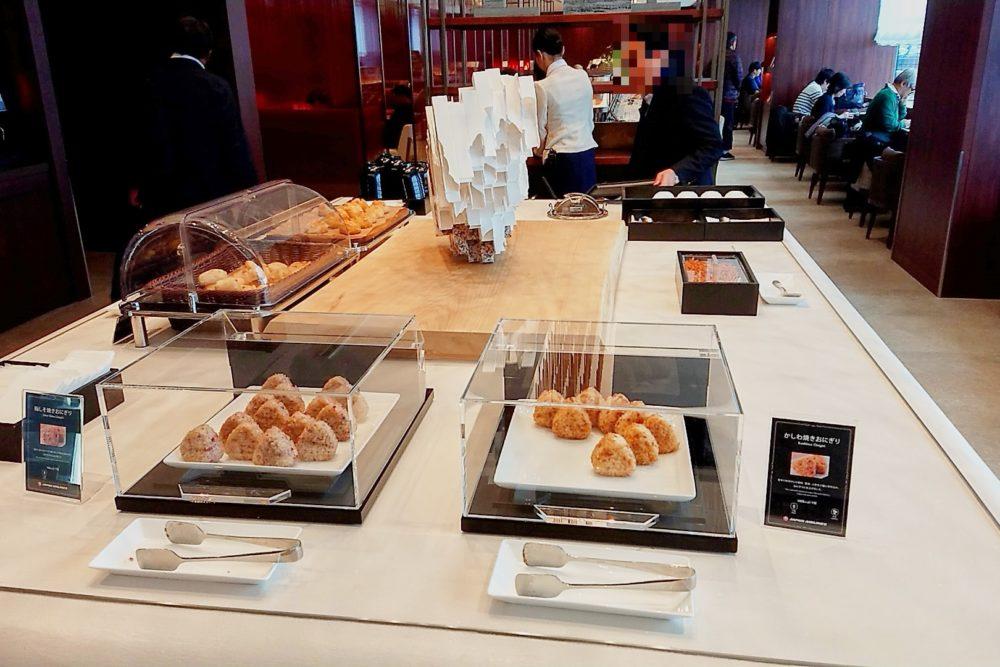 伊丹空港ダイヤモンド・プレミアラウンジの充実した軽食