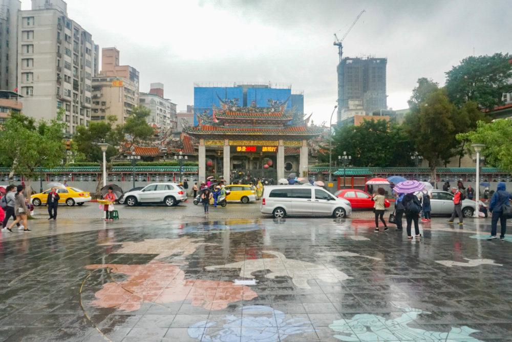 台湾にある龍山寺の外観