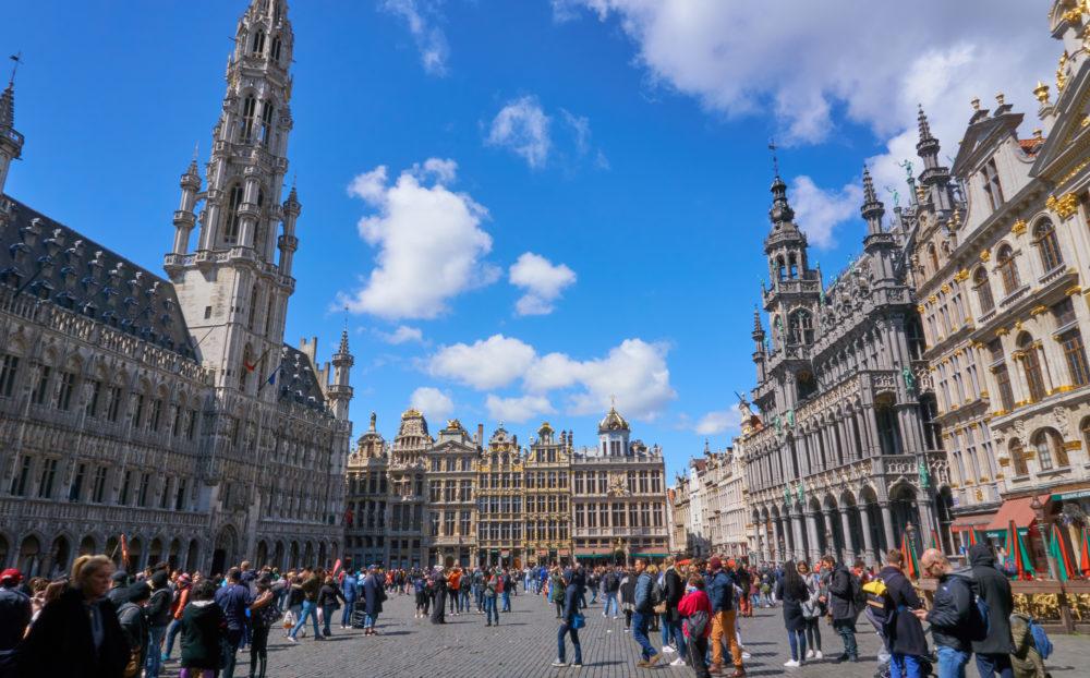 ベルギーにあるグラン・プラス広場(昼間)