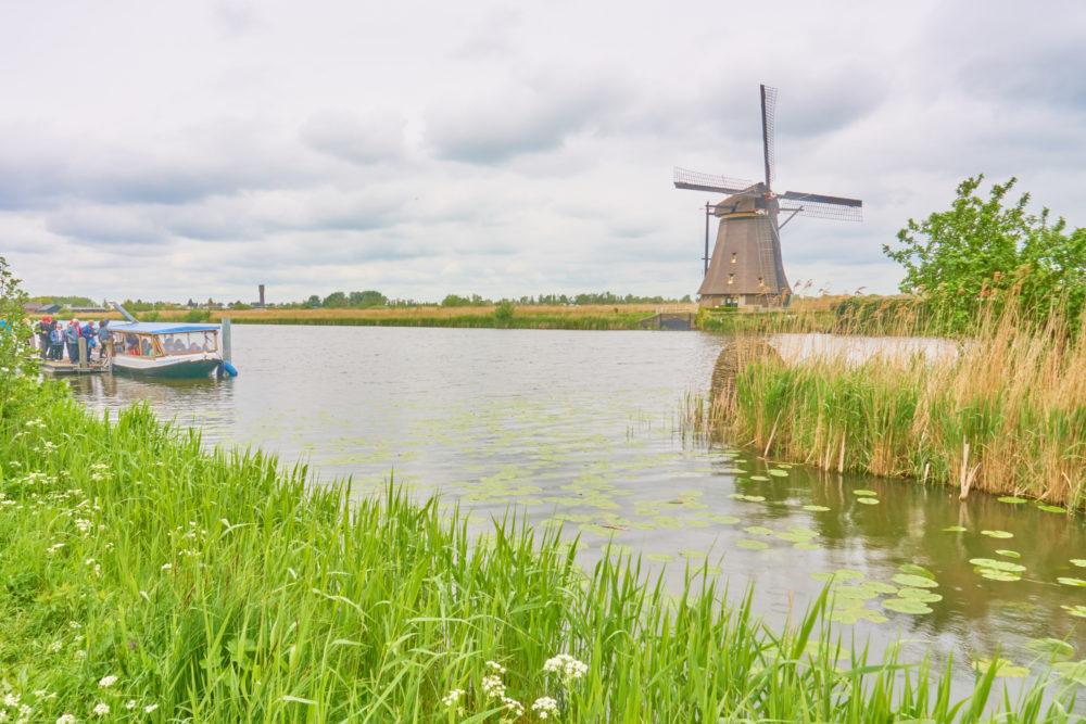 オランダキンデルダイクを流れる川