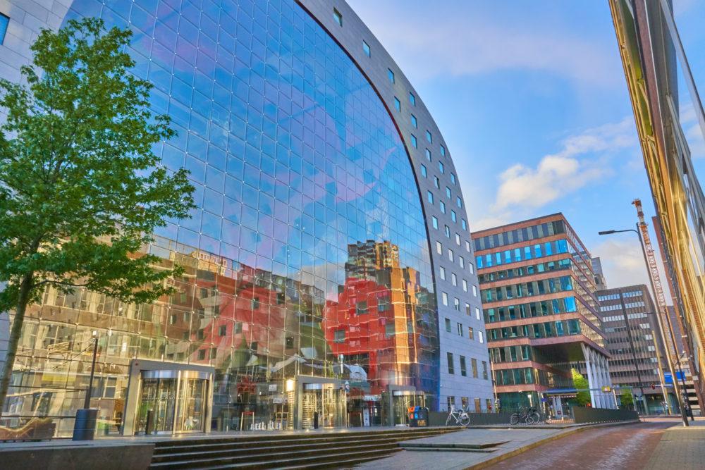 オランダロッテルダムにあるマルクトハルの全景