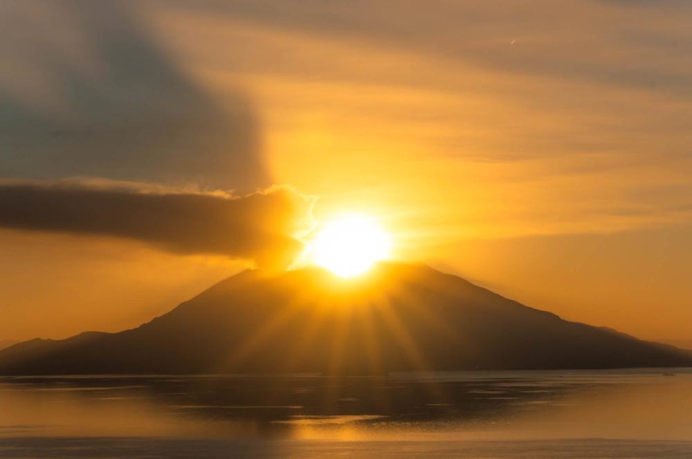 ダイヤモンド桜島の光芒
