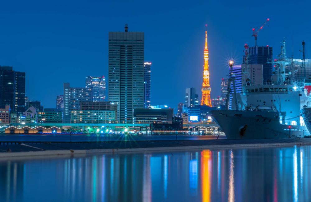 晴海埠頭から見る東京タワー